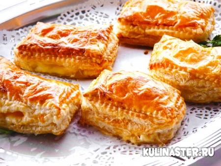 Печенье из слоёного теста с сыром